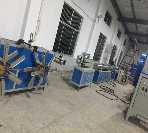 内蒙PE管价格_迷宫式滴灌带机组_莱芜市龙越塑料机械有限公司